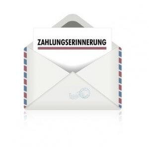 Im Briefumschlag eine Zahlungserinnerung erhalten.